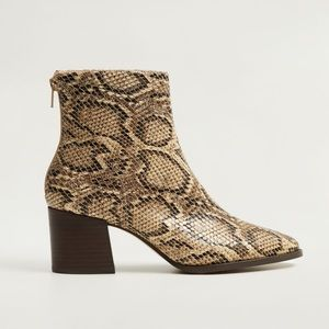MANGO SNAKE ANKLE BOOTS (6)